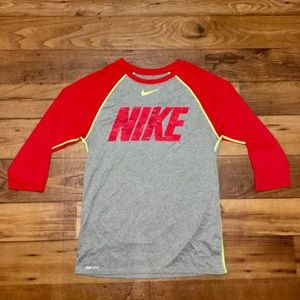 Nike Size S Dry Fit Quarter Sleeve